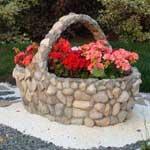 Идея клумбы из камней