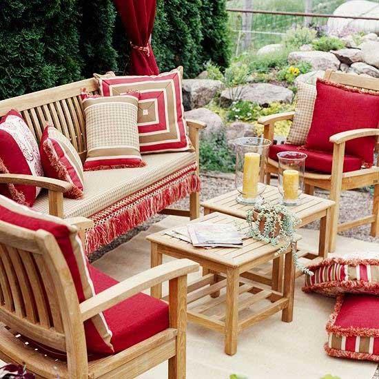 Красный цвет  интерьере веранды - текстиль