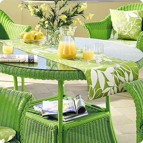 Дачная легкая мебель зеленого оттенка