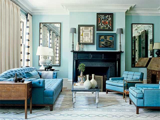 Голубой цвет в интерьере гостиной загородного дома