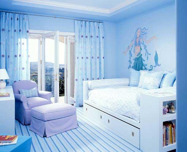 Оттенки голубого в интерьере спальни