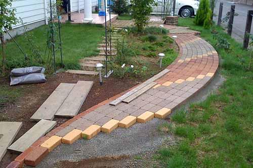 Строительство садовой дорожки своими руками