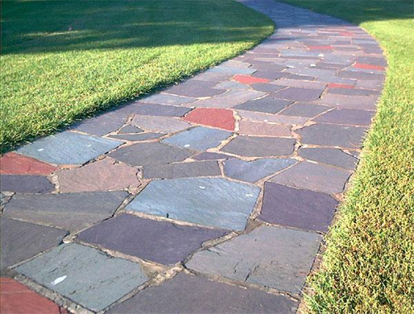 Каменная садовая дорожка - плитняк