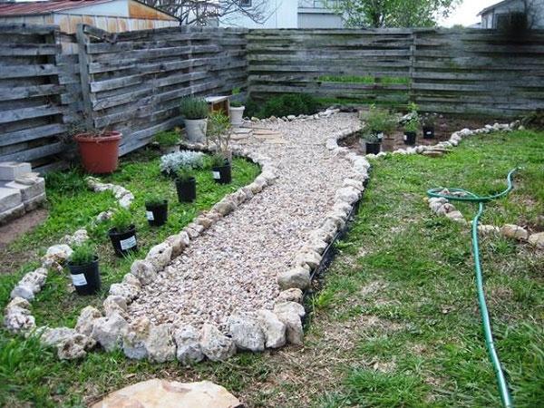 Садовая дорожка из гравия своими руками