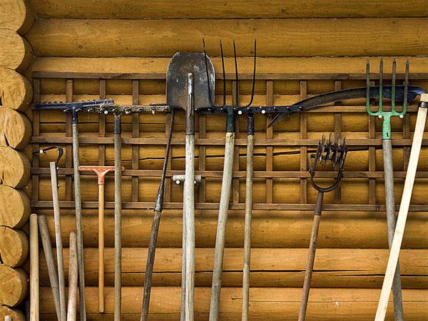 садовые инвентарь - уход и хранение