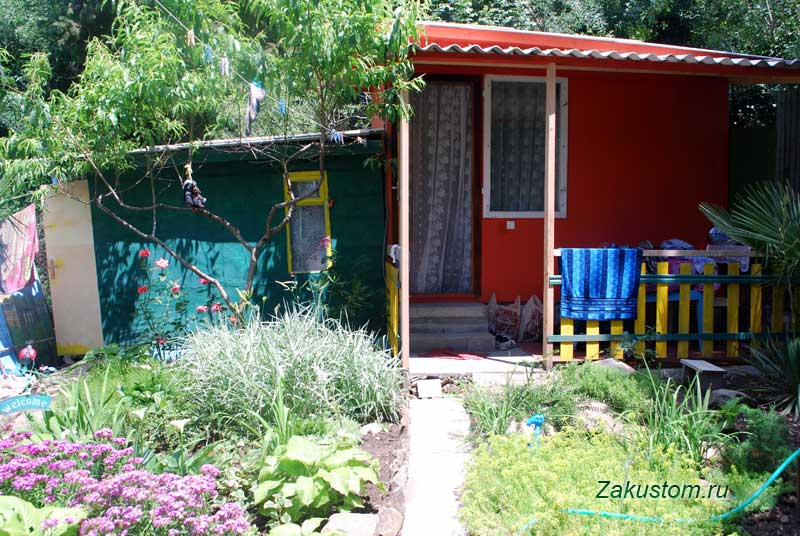 Жилье на море в Крыму - летние дачные домики