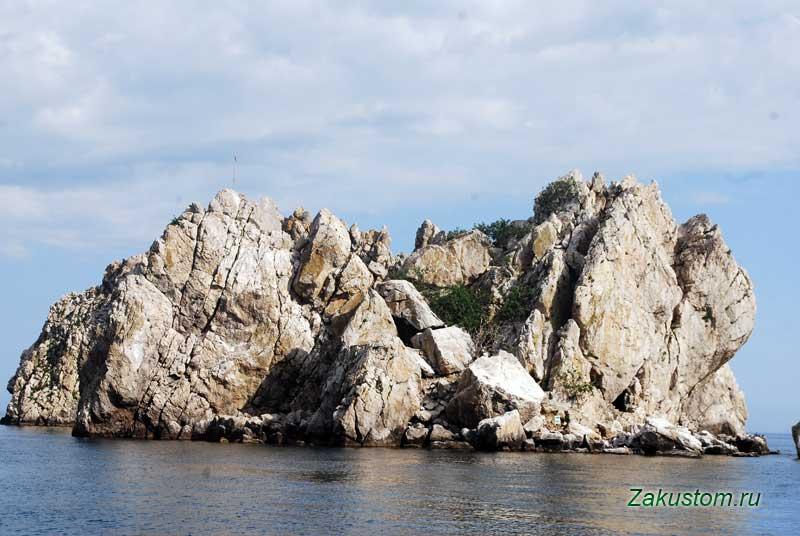 Адалары - морские скалы