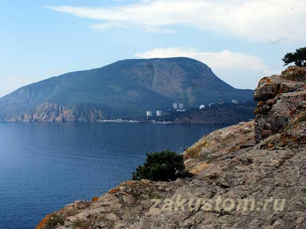 Вид на медведь-гору, природа Крыма