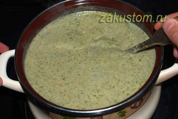 Сливочный крем-суп со снытью и грибами