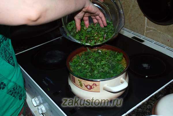 Варим суп из сныти и крапивы
