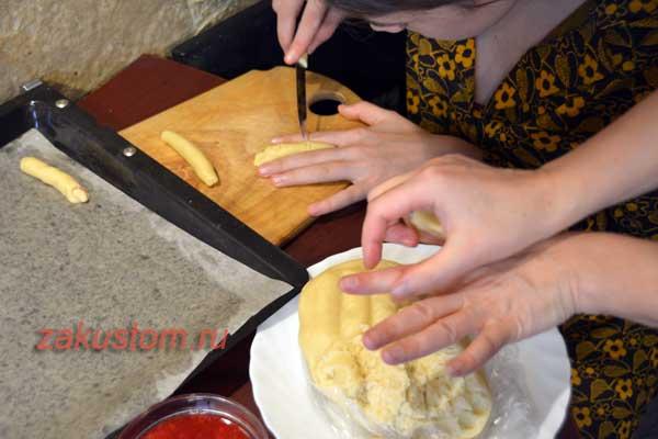 Делаем печенье Ведьмины пальчики