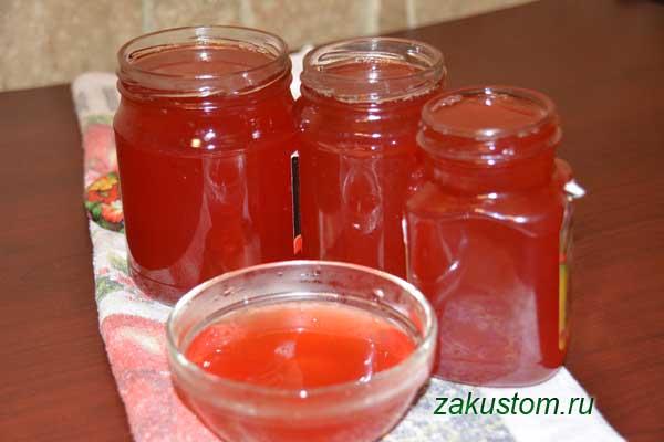 Готовый сироп из ягод красной рябины