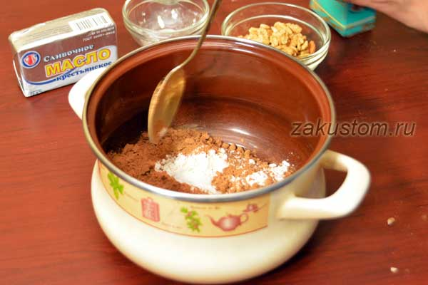 Готовим шоколадную пасту с орехами дома